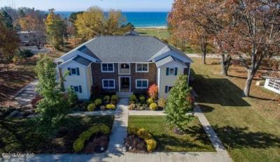 Photo of 851 N Lakeshore Drive, Ludington, MI 49431