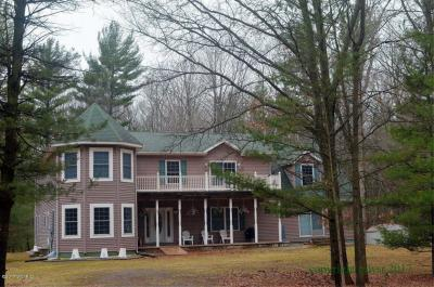 Photo of 8034 N 56th Avenue, Pentwater, MI 49449