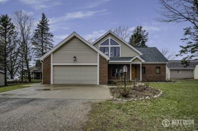 Photo of 5475 S Lakeshore Drive, Ludington, MI 49431