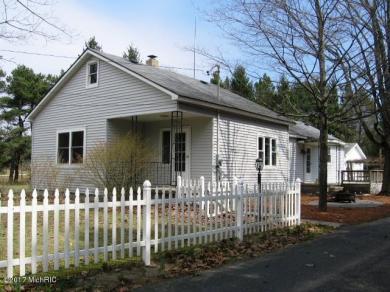 2536 N Lakeshore Drive, Ludington, MI 49431