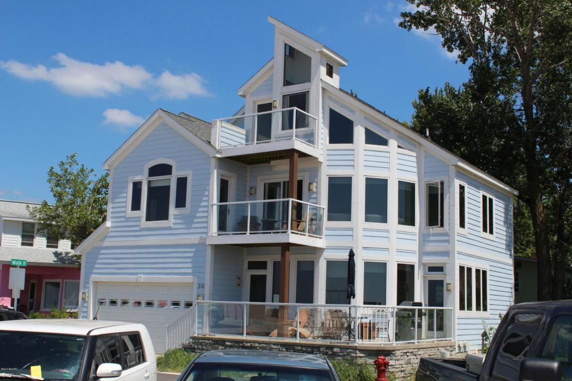 36 Lakeshore Drive, South Haven, MI 49090