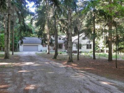 Photo of 3329 Perry Lane, Arcadia, MI 49613