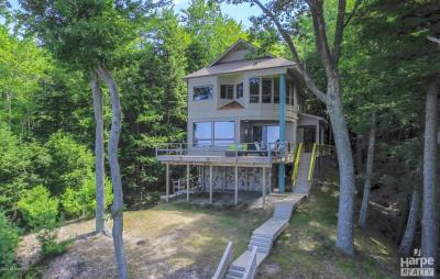 Photo of 8711 N Perry Avenue, Pentwater, MI 49449