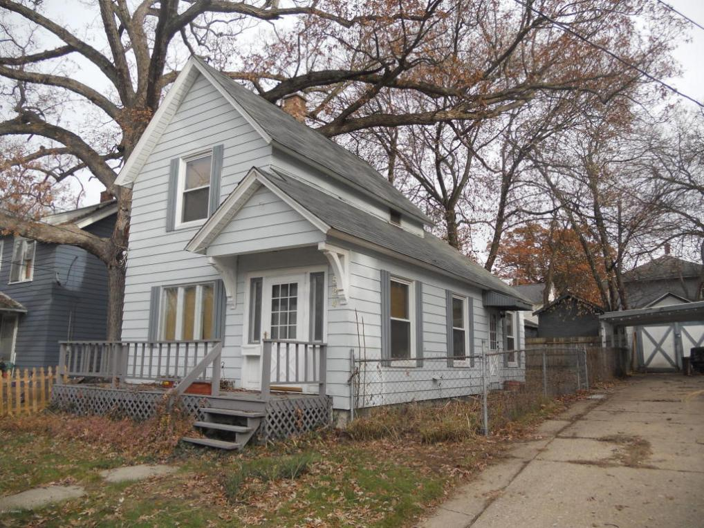 1524 Forrest Avenue NE, Grand Rapids, MI 49505
