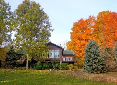 Photo of 14343 N Manistee County Line Road, Thompsonville, MI 49683