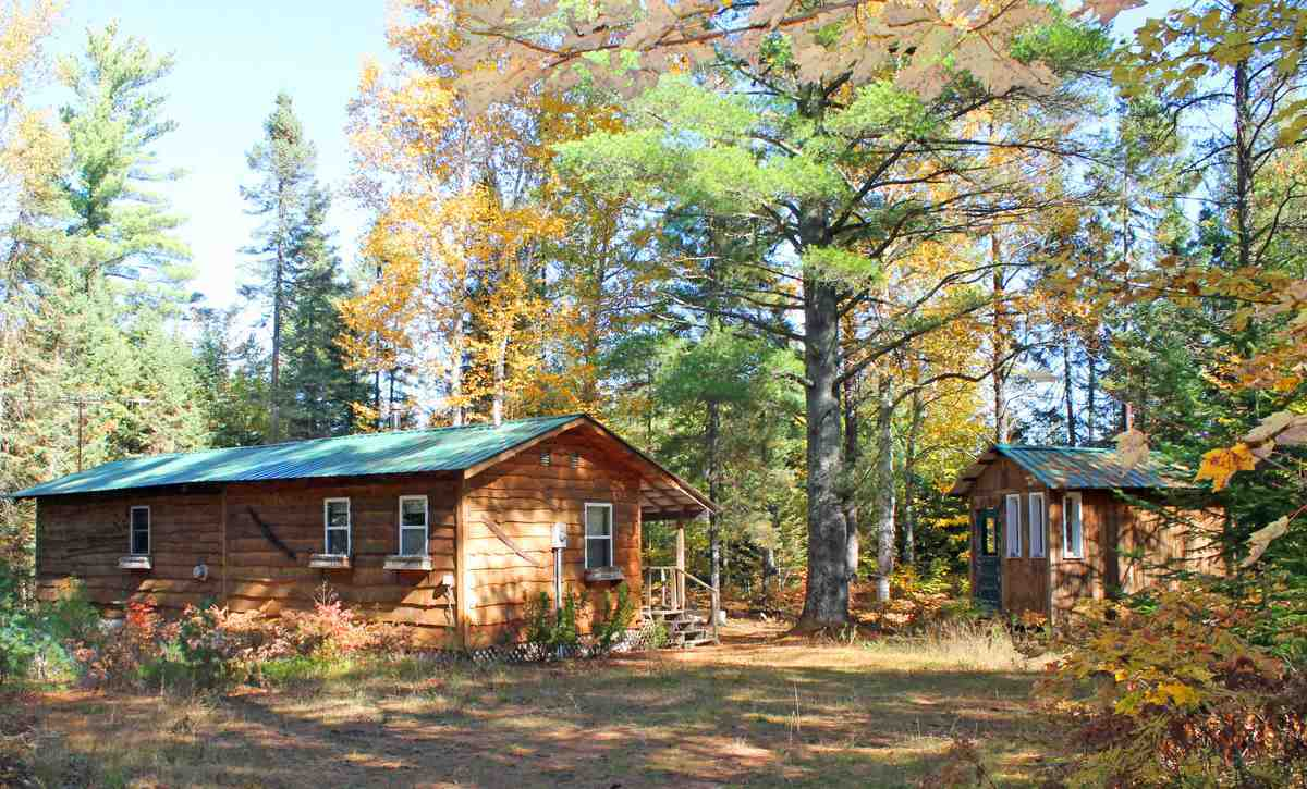 N2724 Toms Lake, Munising, MI 49862