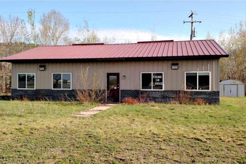 W8042 S Us2, Iron Mountain, MI 49801