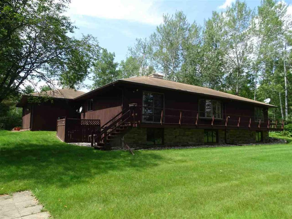 884 Menominee River, Florence, WI 54121