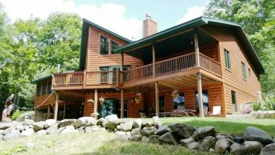 Photo of 164 Stanley Lake, Iron River, MI 49935