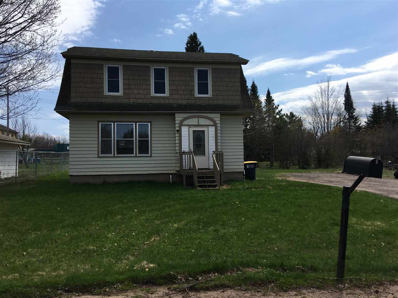 Mls 1101516 409 florence ironwood mi 49938 for Upper michigan real estate zillow