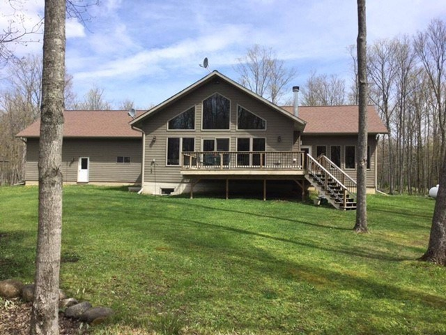 149 Hibbard, Iron River, MI 49935