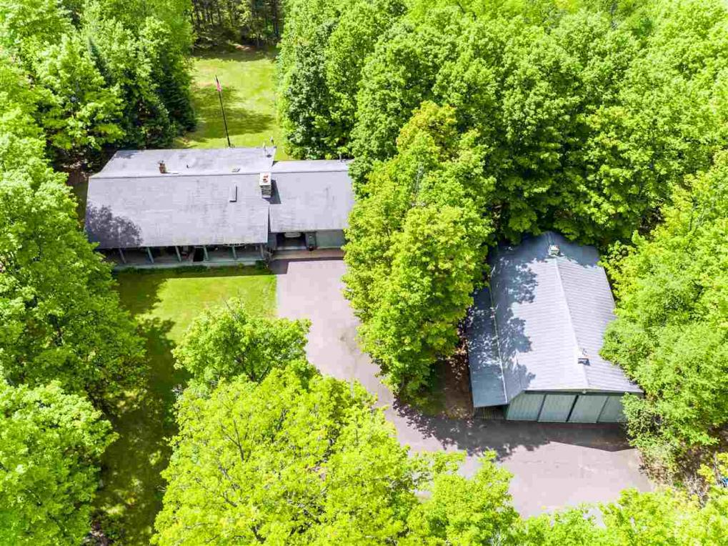 7951 Lakeview, Alvin, WI 54542