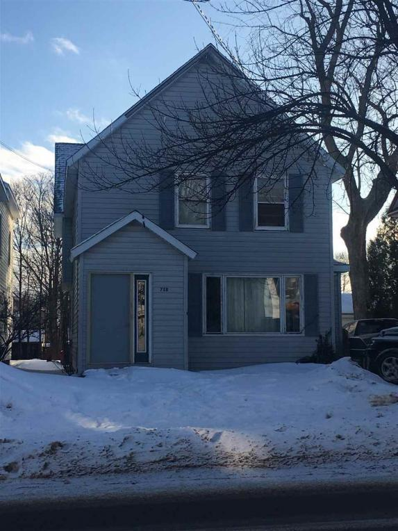 718 N Front, Marquette, MI 49855