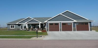 Photo of 3377 12th Avenue NW, Watertown, SD 57201