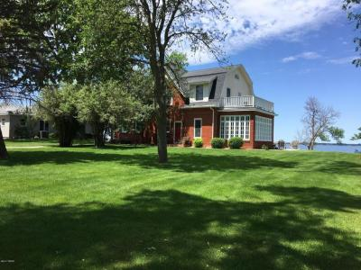 Photo of 400 S Lake Drive, Watertown, SD 57201