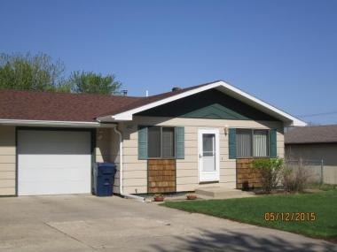 207 18th St NW, Watertown, SD 57201