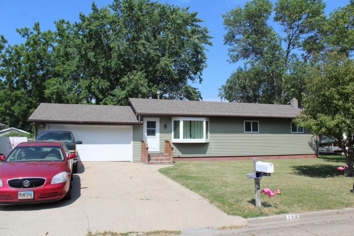 119 20th Street NW, Watertown, SD 57201