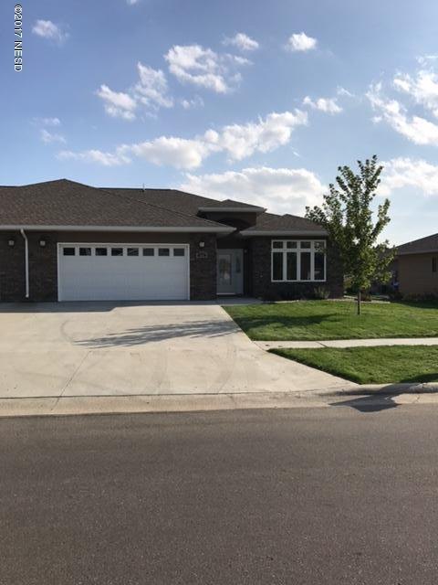 806 16th Avenue NE, Watertown, SD 57201