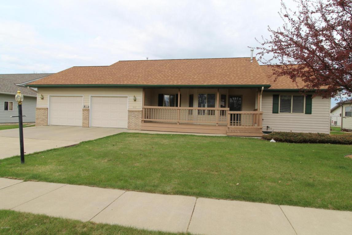 517 13th Street NW, Watertown, SD 57201