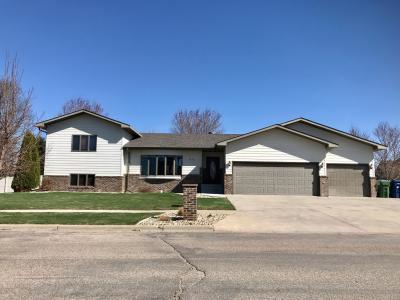 Photo of 1517 13th Avenue NE, Watertown, SD 57201