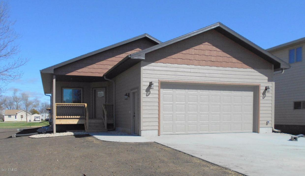 210 16th Street NW, Watertown, SD 57201