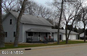 202 S 4th Avenue, Castlewood, SD 57223