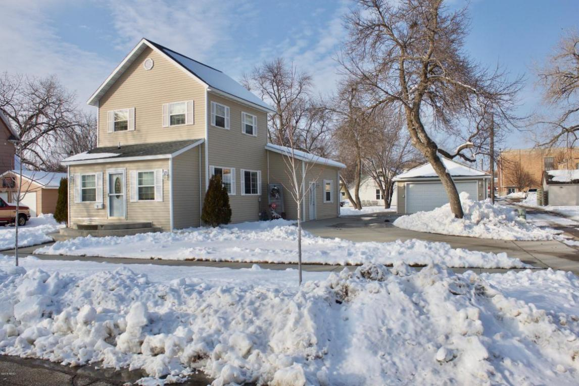 15 3rd Avenue SW, Watertown, SD 57201