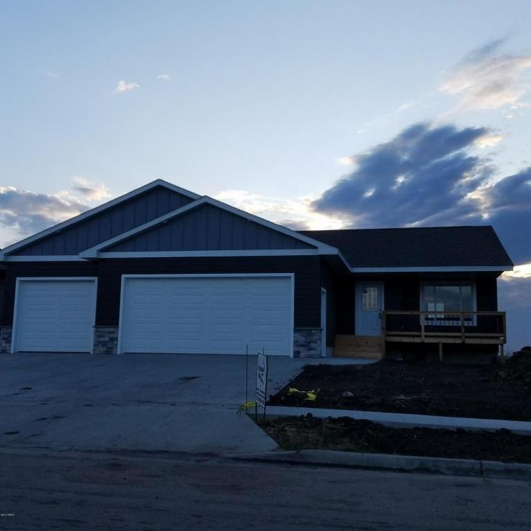 1354 27th Street NE, Watertown, SD 57201