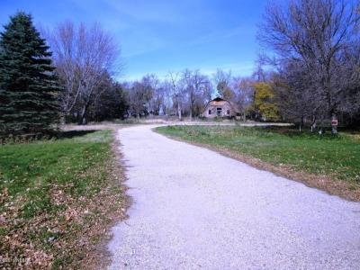 Photo of 201 14th Avenue NW, Watertown, SD 57201