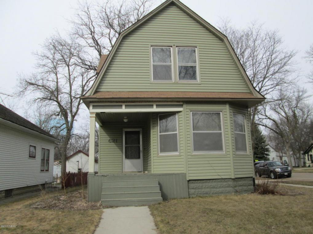 621 1st Street NW, Watertown, SD 57201