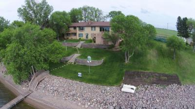Photo of 140 S Lake Drive, Watertown, SD 57201