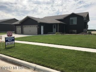 1100 Oak Drive, Watertown, SD 57201