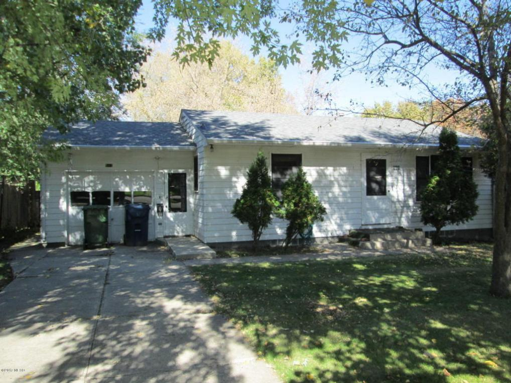 511 5th Avenue NE, Watertown, SD 57201