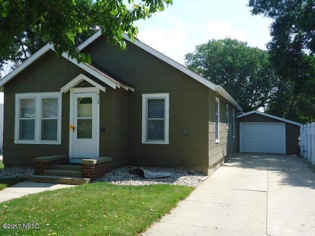 412 1st Street NW, Watertown, SD 57201