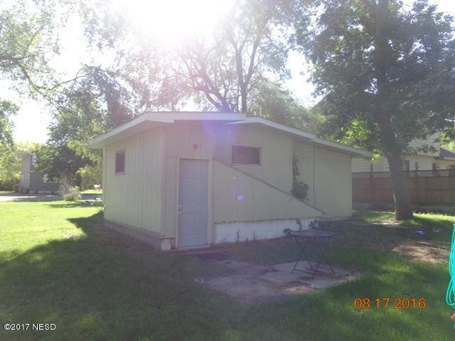 209 17th Street NW, Watertown, SD 57201