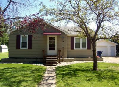 512 7th St Se, Watertown, SD 57201