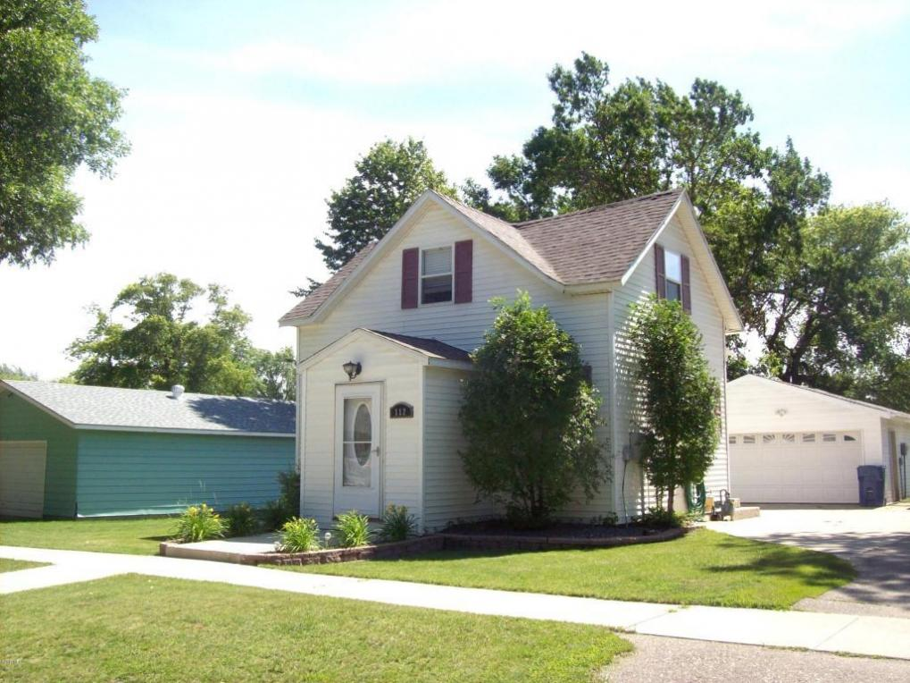 112 10th Street SE, Watertown, SD 57201