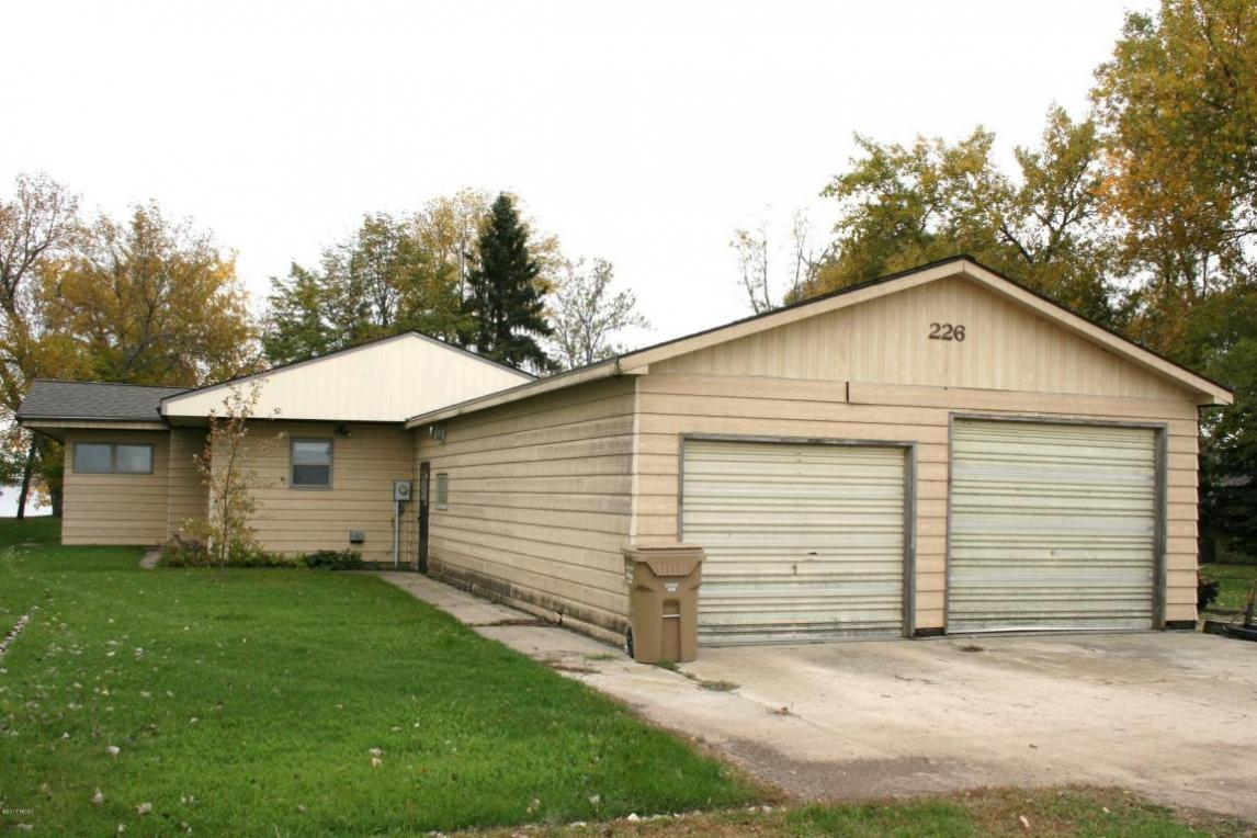 226 N Lake Drive, Watertown, SD 57201