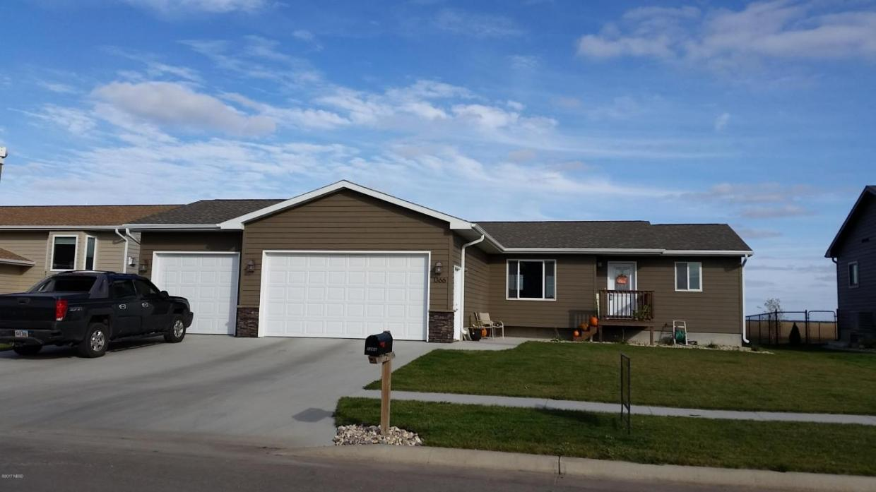 1366 27th Street NE, Watertown, SD 57201