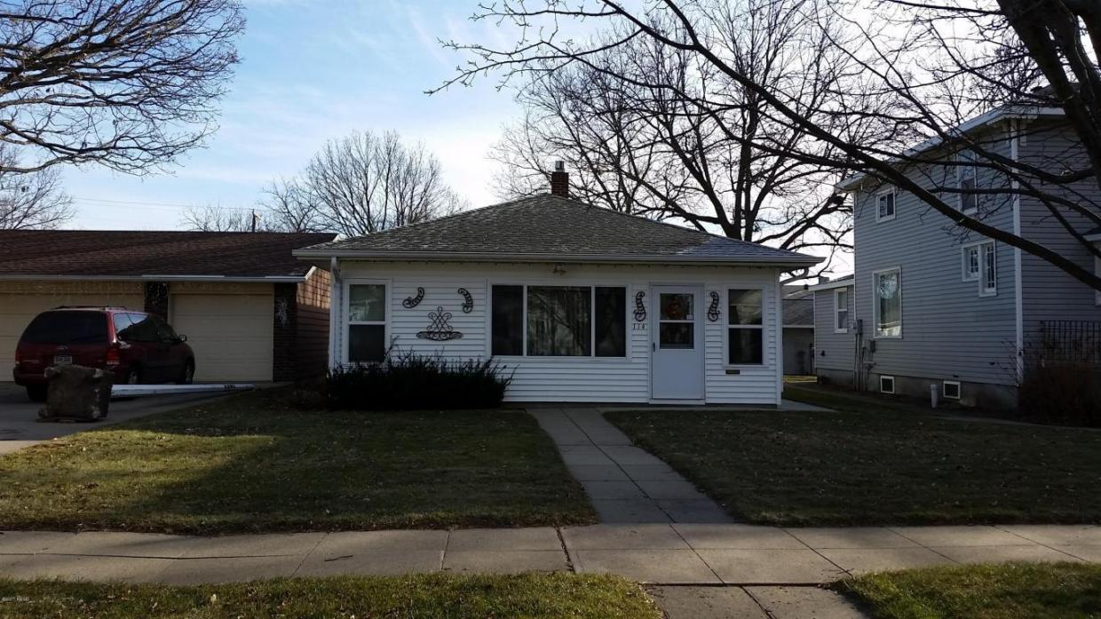 114 4th Street SE, Watertown, SD 57201