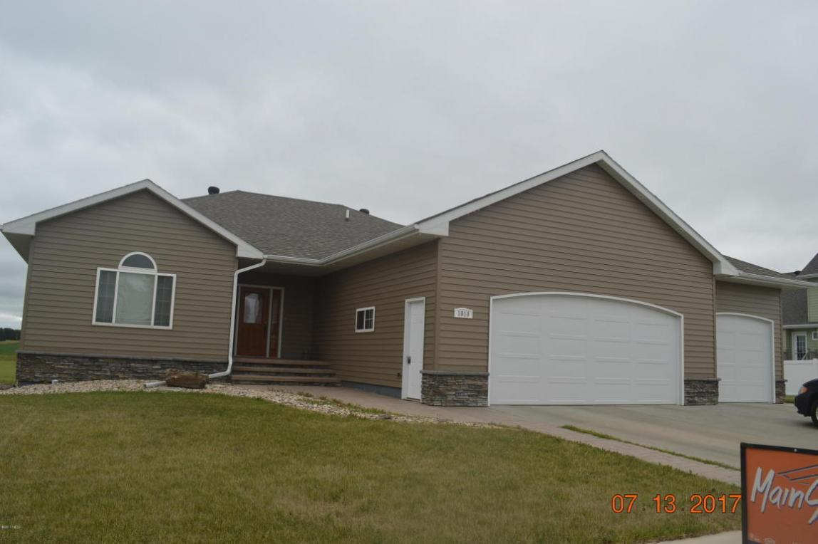 1910 9th Street NE, Watertown, SD 57201