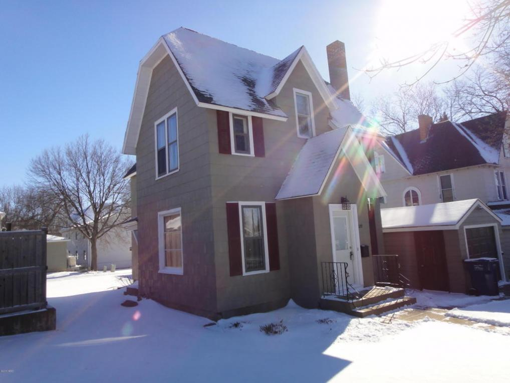 320 2nd Street NW, Watertown, SD 57201