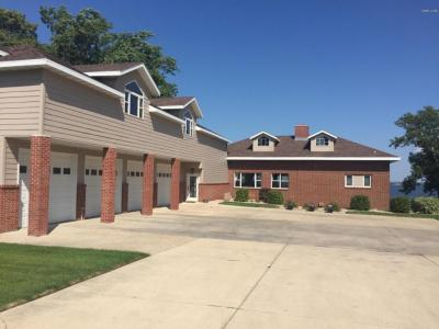 Photo of 426 S Lake Drive, Watertown, SD 57201