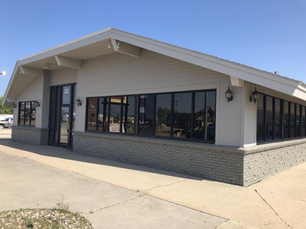 311 9th Avenue SE, Watertown, SD 57201