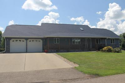 Photo of 207 8th Avenue SE, Clark, SD 57225