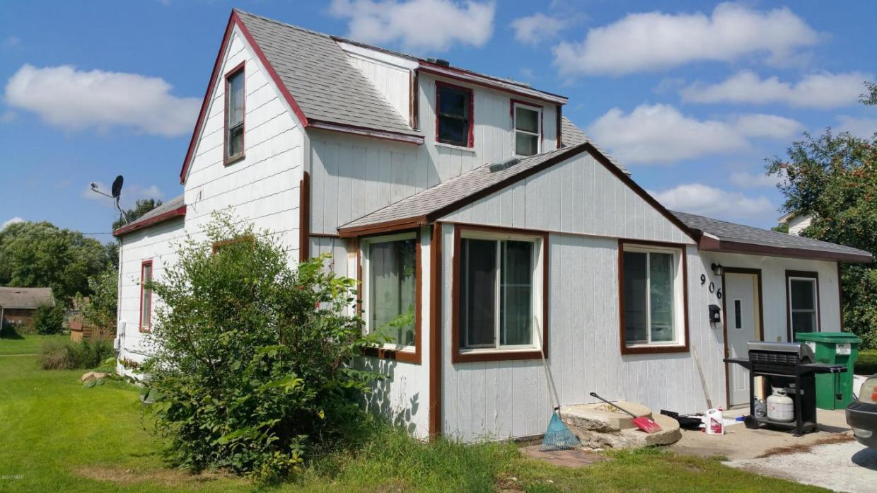 906 S 4th Street, Milbank, SD 57252