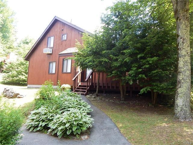 15 Lakeside Drive, Thompson, NY 12701