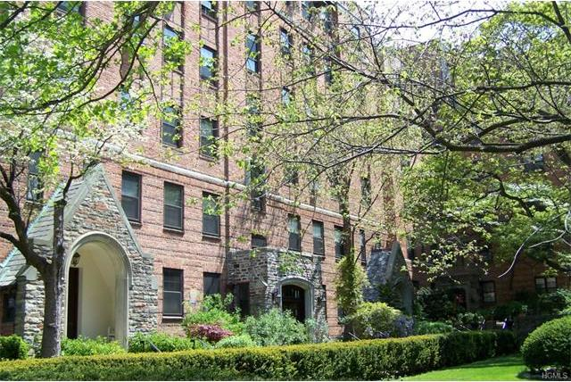 828 Bronx River Road #5a, Yonkers, NY 10708