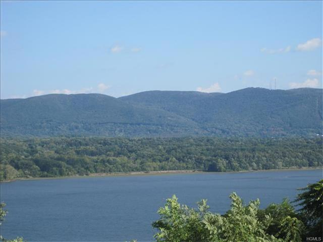 7 Chelsea View Terrace, Newburgh Town, NY 12550