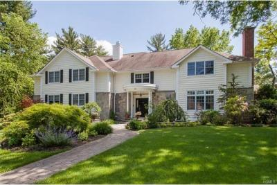 Photo of 44 Meadow Road, Scarsdale, NY 10583